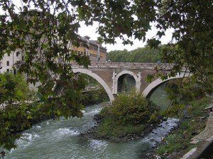 Wyspa Tybrowa - most Ponte Fabrizio
