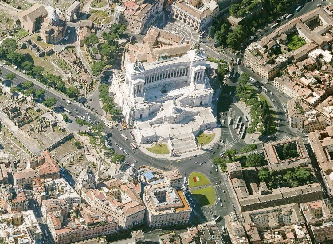 Plac Wenecki i Ołtarz Ojczyzny z lotu ptaka