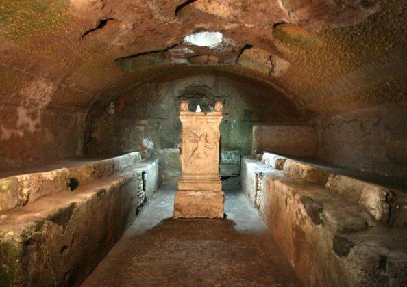 Rzym - podziemie bazyliki San Clemente - świątynia Mitry