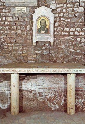 Rzym - podziemie bazyliki San Clemente - ołtarz św. Cyryla Apostoła Słowian