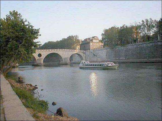 Most Sykstyński nad Tybrem
